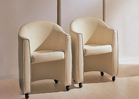 офисная мягкая мебель Свинг, мебель самара и столик туалетный.